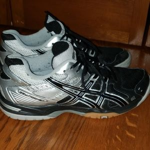 Asics Shoes - Like new Asics Gel-Rocket volleyball sneakers